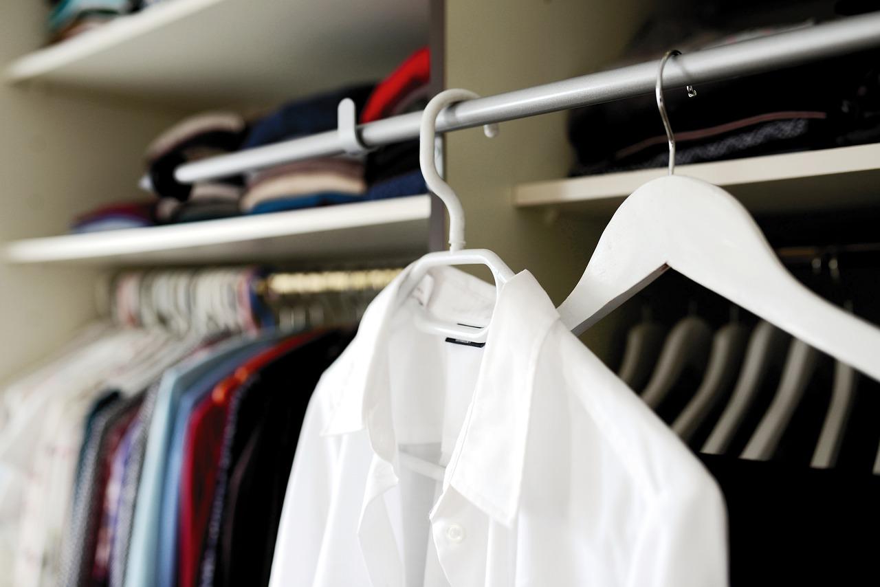 Wat van kledingstukken kunnen er in de zomer niet ontbreken in je kledingkast?
