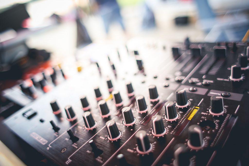 Feest DJ, een goede maakt het feestje