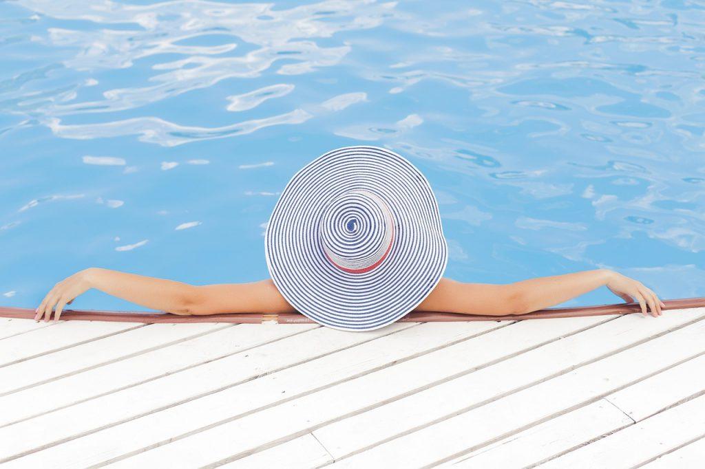 De voor- en nadelen van een zwembad in de tuin