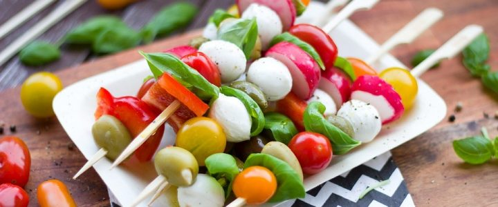 Vegetarisch eten van de keramische bbq