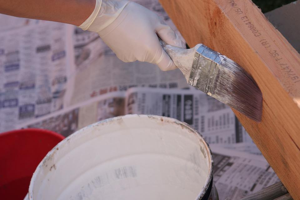 Een puincontainer huren voor efficiënt en snel verbouwen