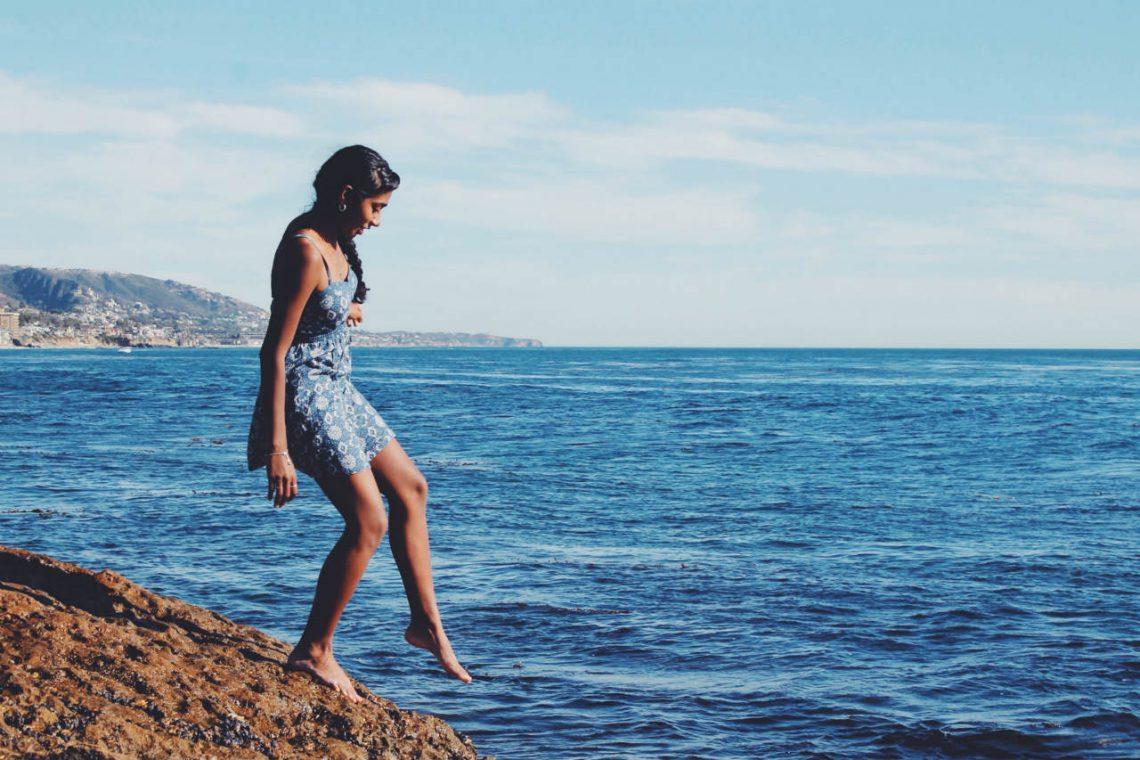 vrouw strand jurkje